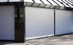 Prix rideau métallique : le budget à prévoir pour l'installation